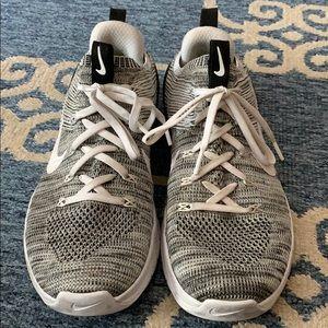 Nike Women's Metcon DSX Flyknit 2 Training Shoes